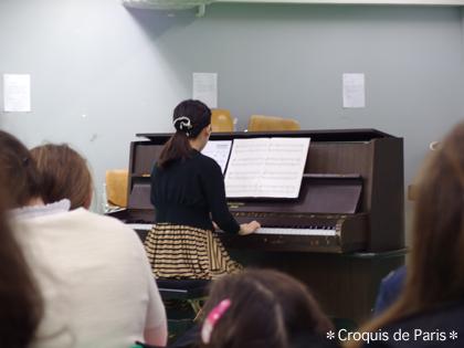 7ぼろぼろのピアノですが