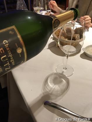 13もちろん夜もシャンパン