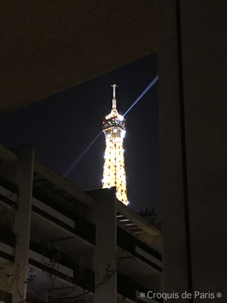 6エッフェル塔 零時に光ると思いきや