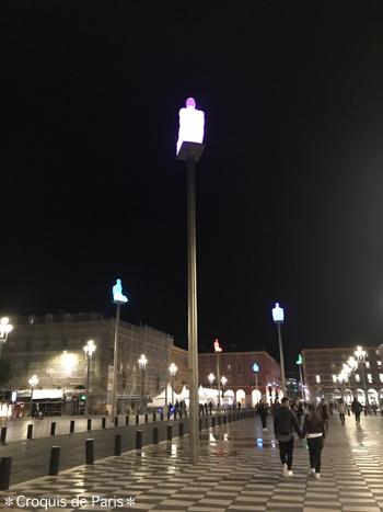 19夜の広場